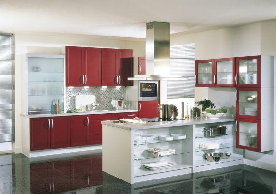 Eine Brigitte Küche in rot